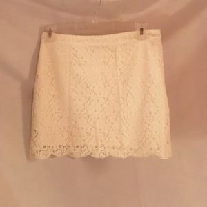 Aritzia Talula cream lace skirt